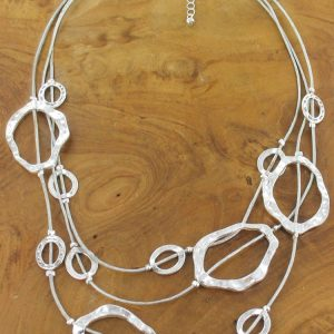 TRIPLE STRAND BEATEN RING NECKLACE